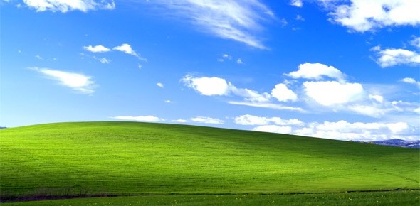 Bliss photograph - Windows XP wallpaper