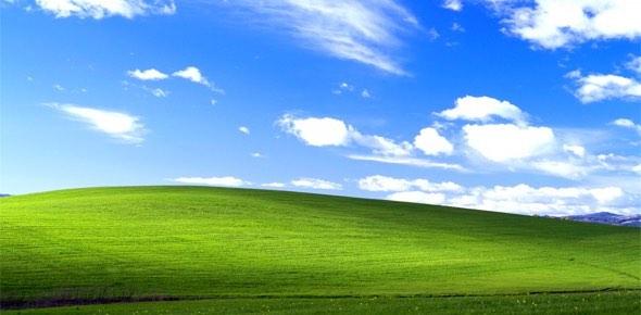 Bliss photograph - Windows XP wallpaper